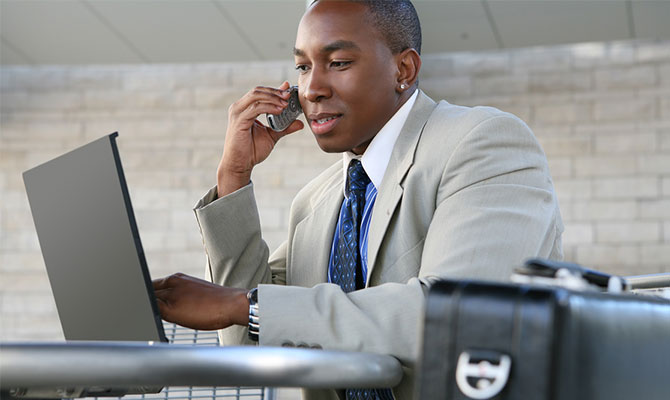 sales-man-on-the-phone